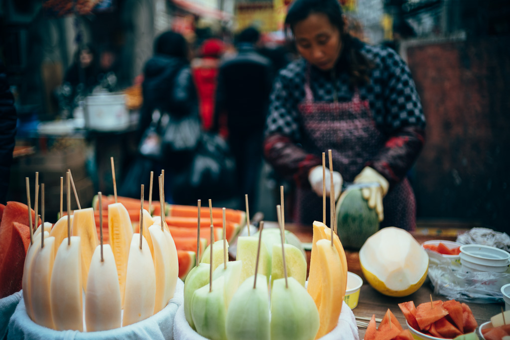 Fruit Vendor by Gino Zhang, on Flickr